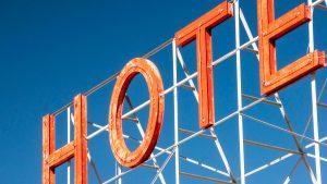 Na koji način neovisni hoteli koriste tehnologiju kako bi povećali konkurentnost?